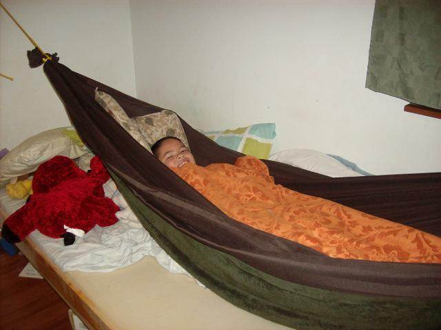 tim is now able to reenter the hammock properly  he still finds it warm enough though the blanket sags a lot  the space could be filled with extra wool     in search of organic mattress  products forum at permies   rh   permies