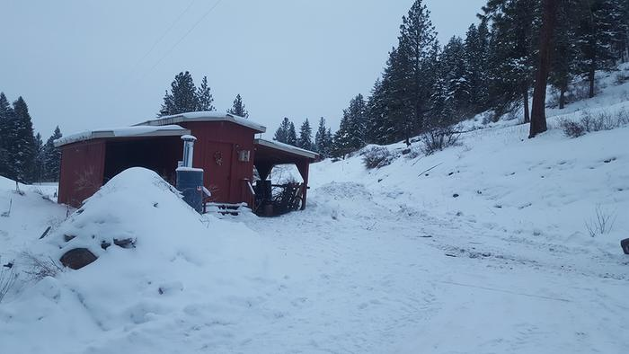 The Red Cabin where Ant Jeremy and gato Cloud reside.