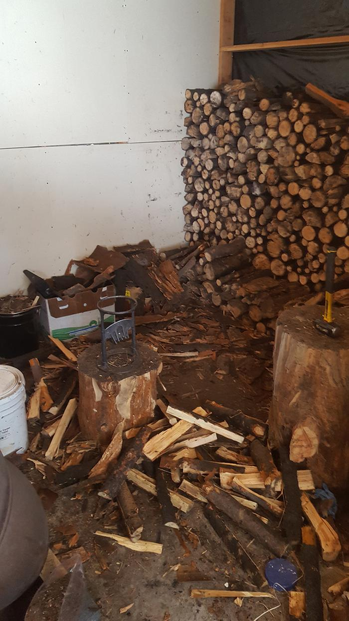 Nest labor / chopping wood for main house