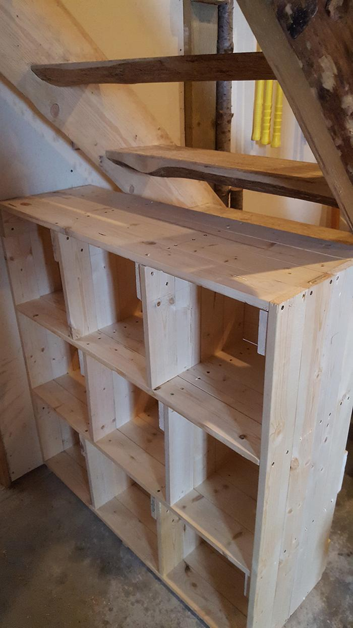 Cubbies under roundwood stairs