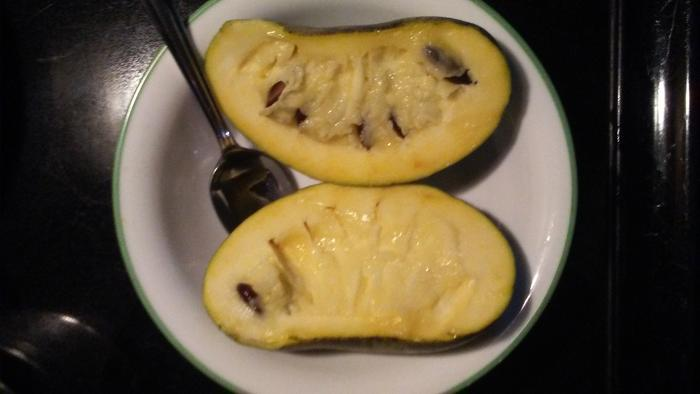 Yum! Looking forward to more pawpaws next seaon (this was the last of this year's)
