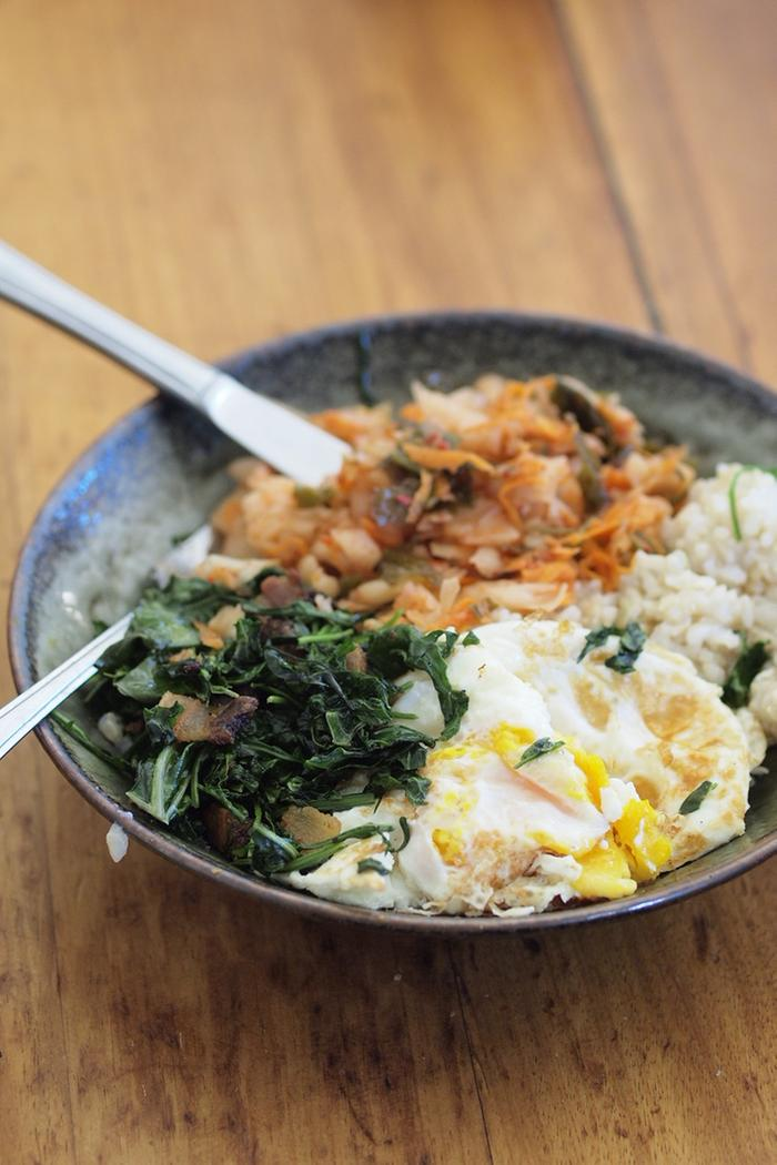 Korean egg, green, and rice bowls