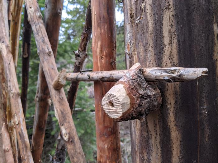 roundwood carved latch