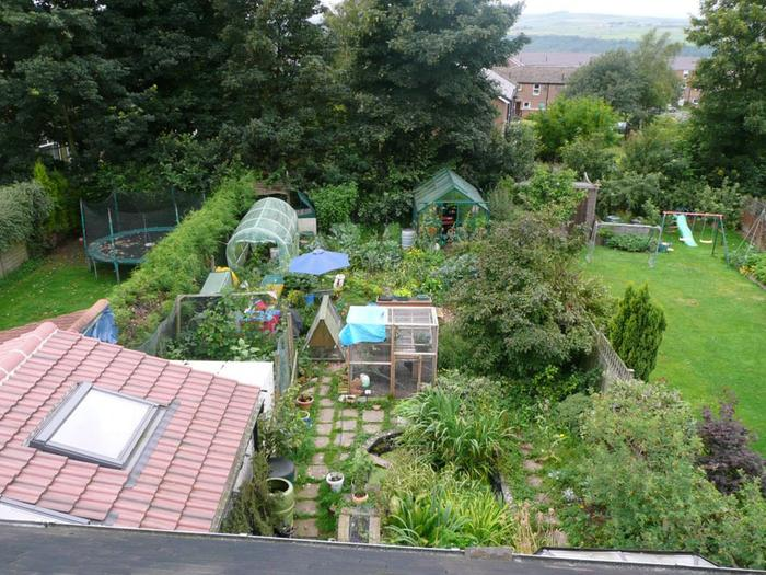 [Thumbnail for Claire_Gregorys_Permaculture_garden_WikiMedia.org.jpg]