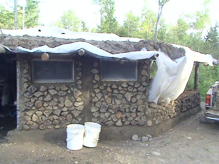 [Thumbnail for cordwood-walls-1.JPG]