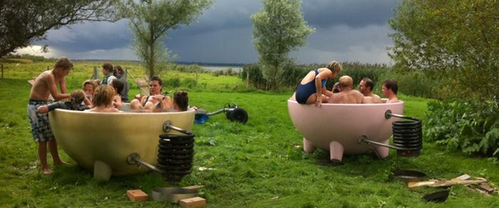 [Thumbnail for groep-in-tubs-LRG-CROP.jpg]