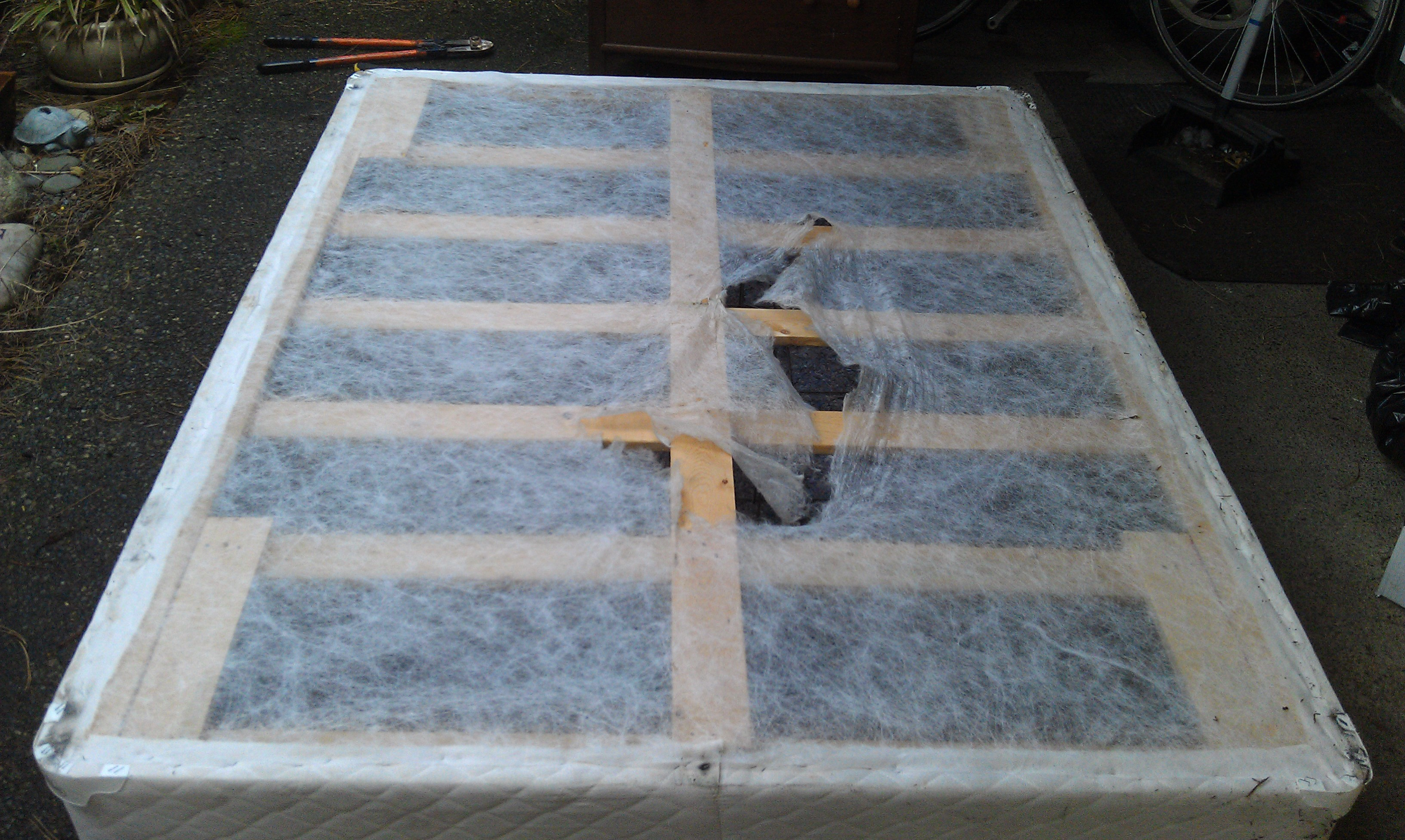 Free Fence Wire And Concrete Reinforcement From Box