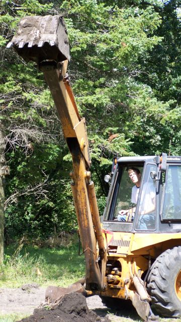 [Thumbnail for Scott-in-backhoe.jpg]