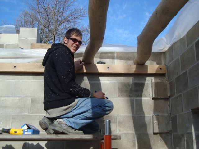 [Thumbnail for Scott-setting-joists.jpg]