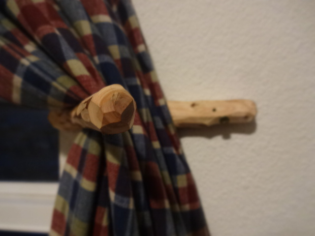 [Thumbnail for DSC03544-whittled-curtain-draw-(open).JPG]