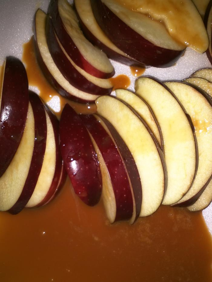 spiced apples with caramel