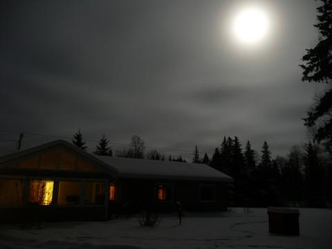 [Thumbnail for By-the-light-of-the-moon-745pm-Jan-18-2011-a.JPG]