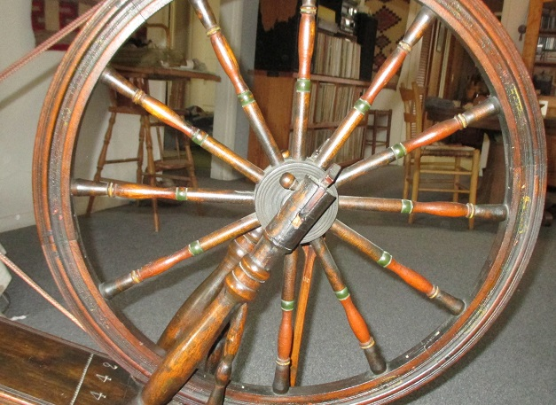 Old Spinning Wheel Photos And Questions Permaculture Fiber