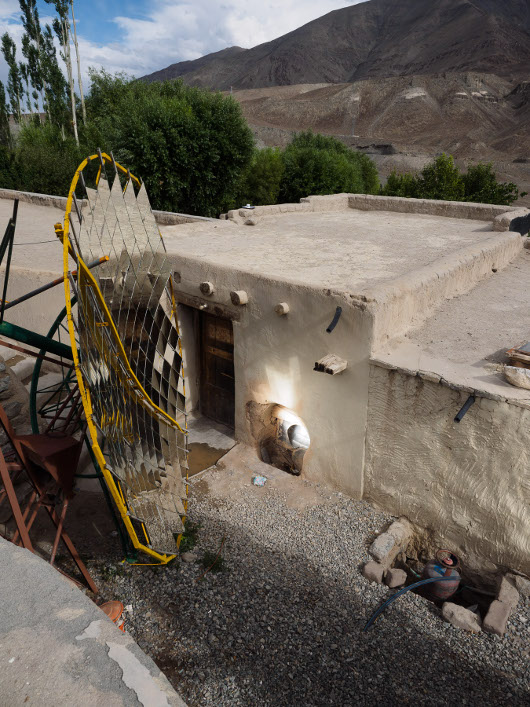 [Thumbnail for scheffler-solar-cooker-at-secmol-in-ladakh.jpg]