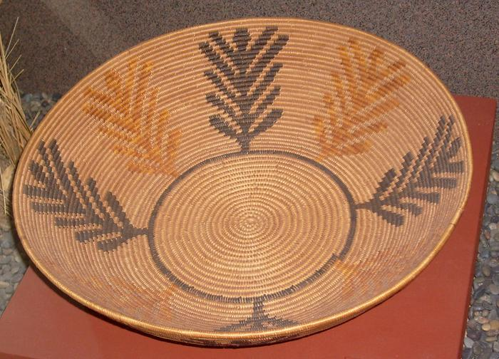 Kumeyaai basket coiled bowl made by Celestine Lachapa of Inajoby