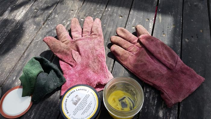 work gloves ready to get oiled