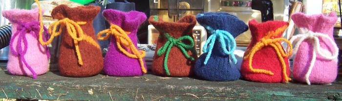 [Thumbnail for Felted-Wool-Spiral-Pouches.jpg]