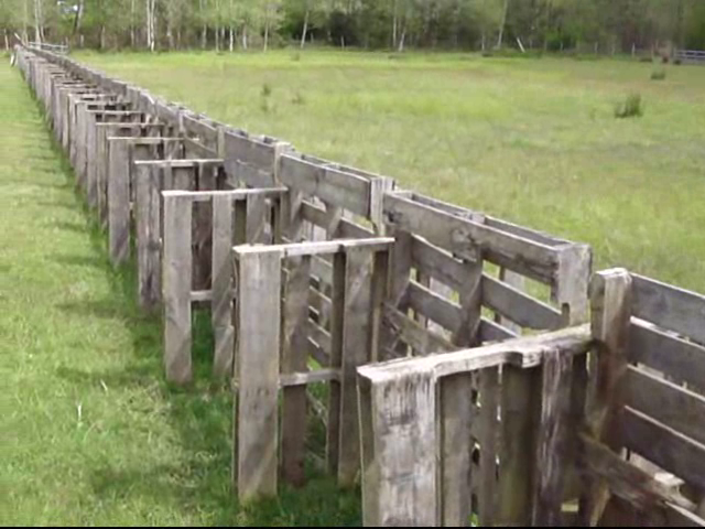 How to build a pallet fence realeyes permaculture homestead Building a fence