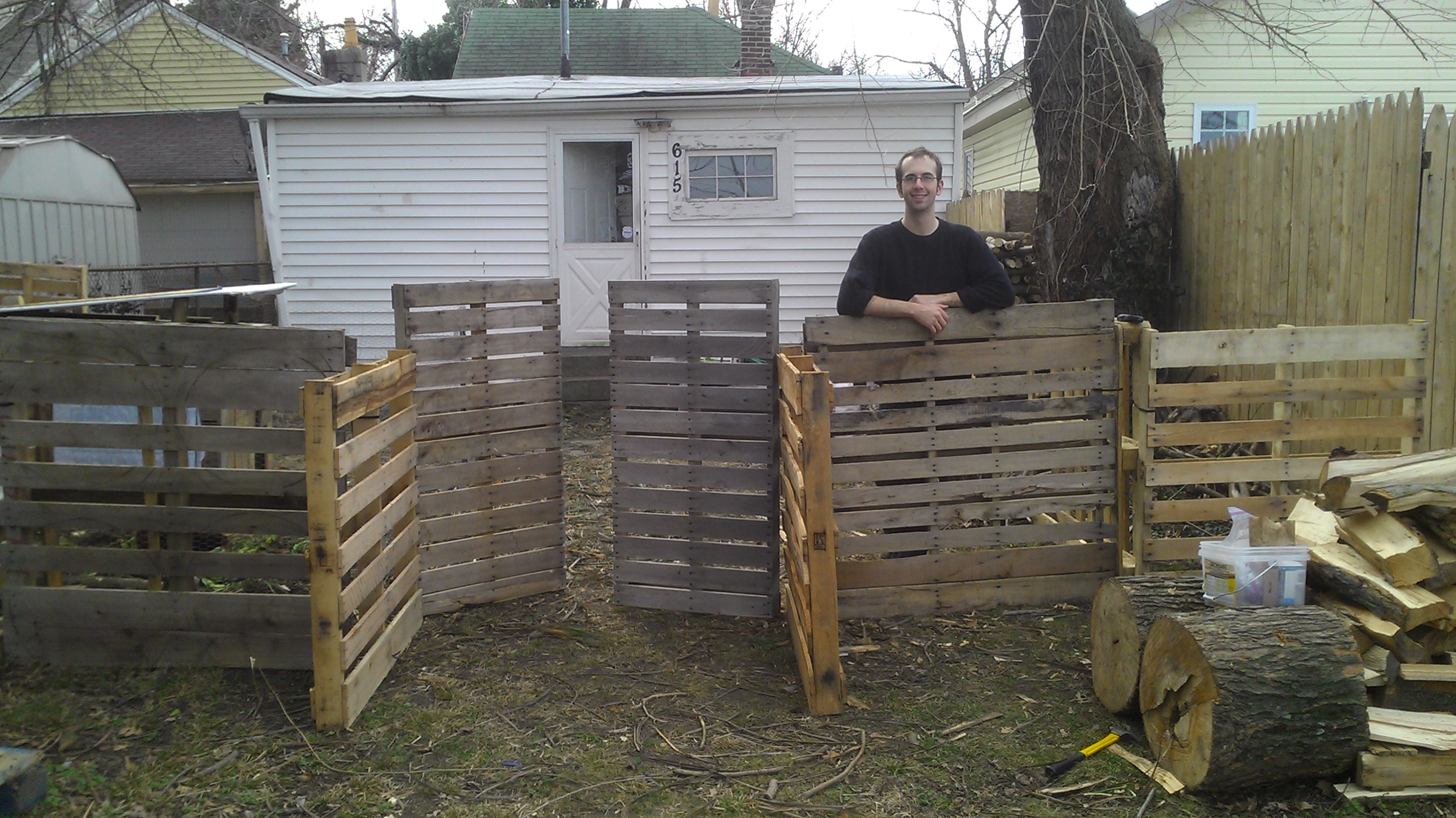 Wood shed designs made with a compass nolaya for Wood pallet fence plans