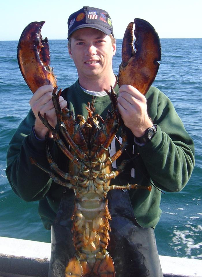 [Thumbnail for 12-Pound-Lobster.JPG]