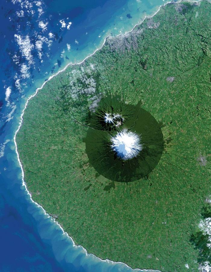 [Thumbnail for DEFORESTATION-New_Zealand-s_Mt._Taranaki-_Egmont_National_Park_surrounded_by_pasture_by_NASA-_WikiMedia.org.jpg]