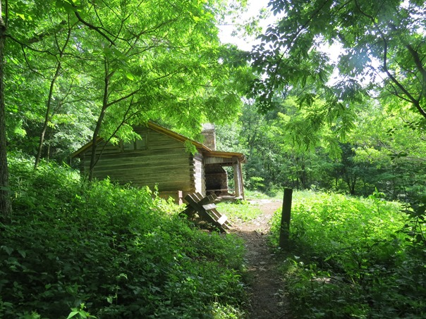 [Thumbnail for pocossin-cabin-appalachian-trail-shenandoah-forest.jpg]